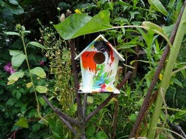 tiny art häusken in the garden